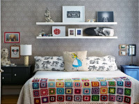 Полки в спальню — 120 фото с ненавязчивым расположением полок в интерьере!