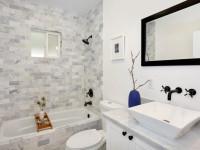 Узкая ванная комната: практичные идеи визуального увеличения пространства на 57 фото