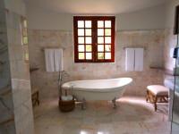 Большая ванная — 90 фото новинок красивого дизайна