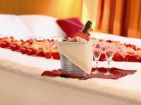 Идеи декора спальни для влюбленных к 14 февраля