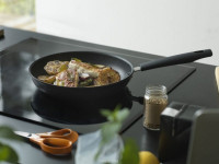 Какие плюсы и минусы у сковород с антипригарным покрытием?