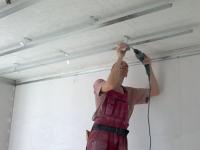 Ремонт потолка квартиры: особенности выбора
