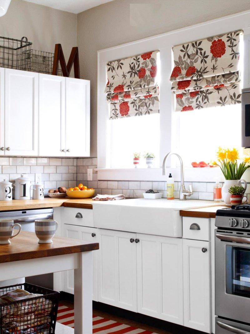 Как сделать кухню под окном фото 676