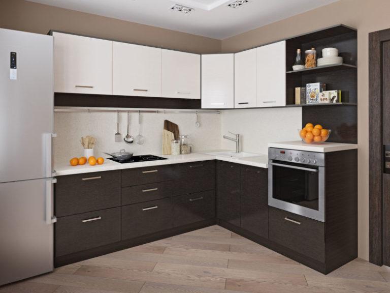 Кухня темно коричневая с белым