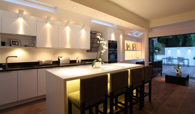 Хорошее освещение на кухне