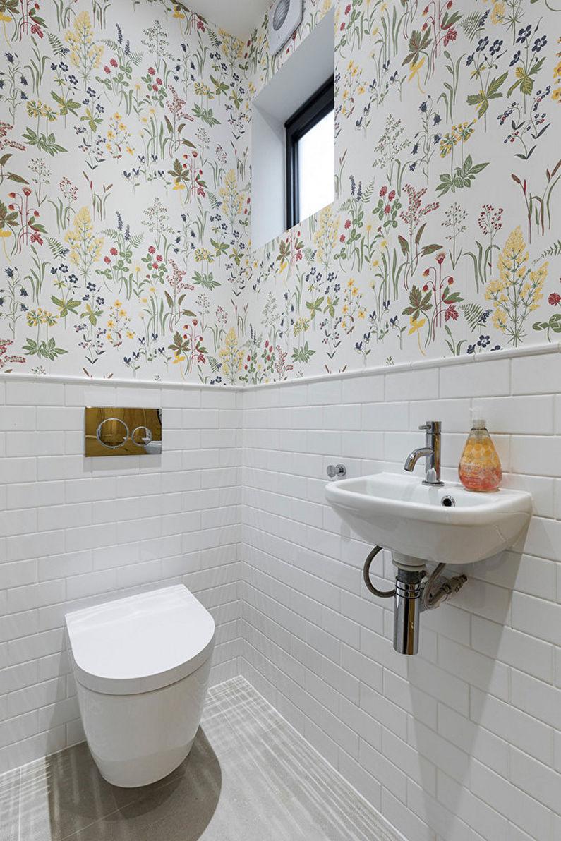 маленький туалет в белом цвете фото