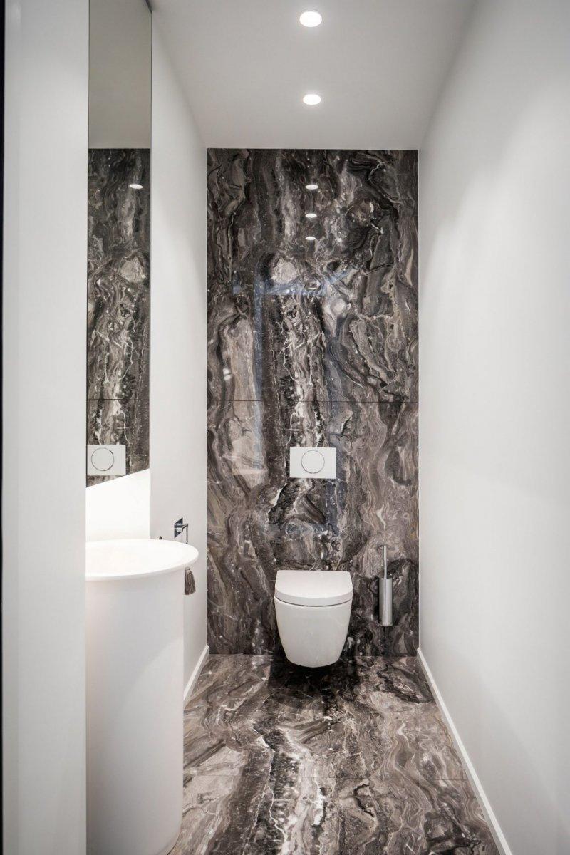 как оформить маленький туалет фото