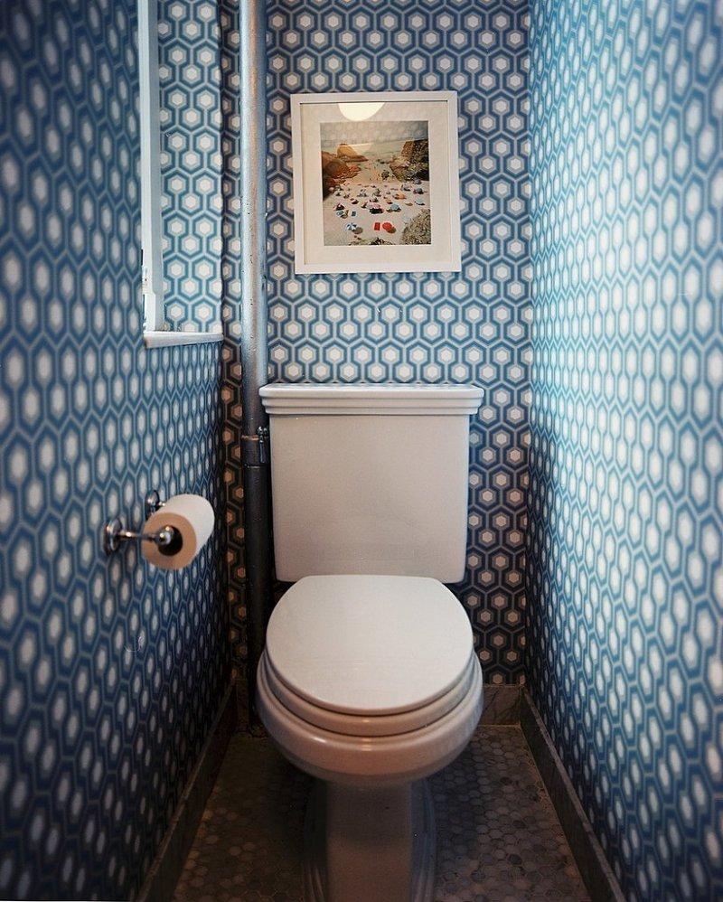 стильный и современный дизайн маленького туалета фото
