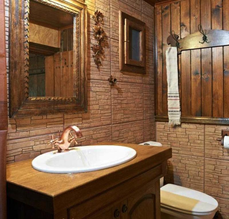 коричневая маленькая ванная