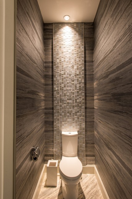 маленький туалет ламинат на полу фото