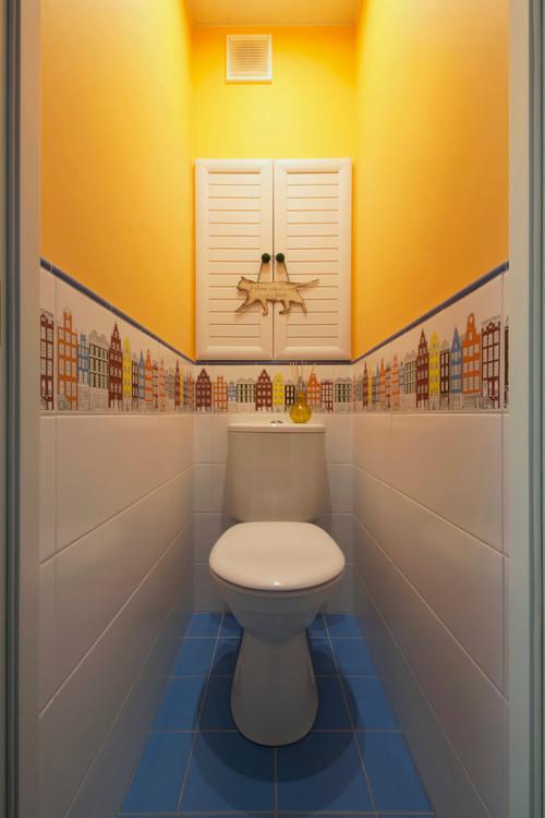 малогабаритный желтый туалет фото