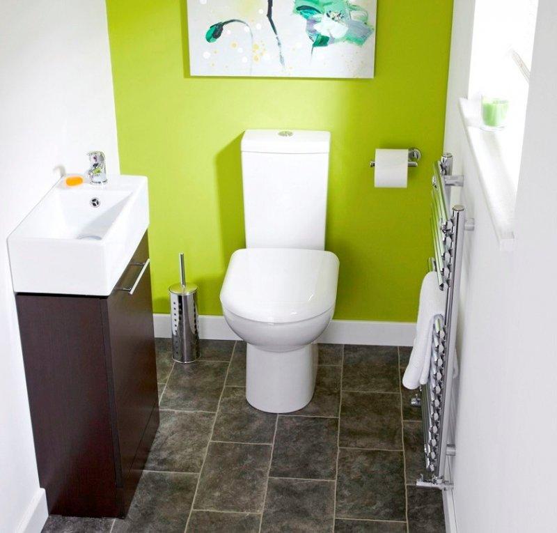 маленький туалет в зеленом стиле
